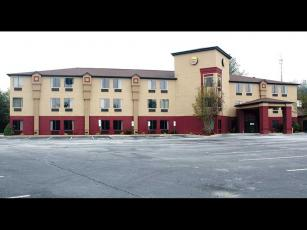 Press photo/Jake Browning - The Comfort Inn has been operating at about 20 percent capacity.